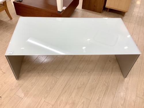 テーブルのセンターローテーブル