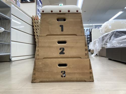 収納家具の跳び箱