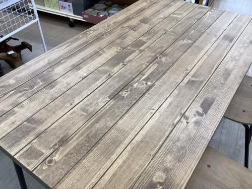 テーブルのベンチダイニング4点セット