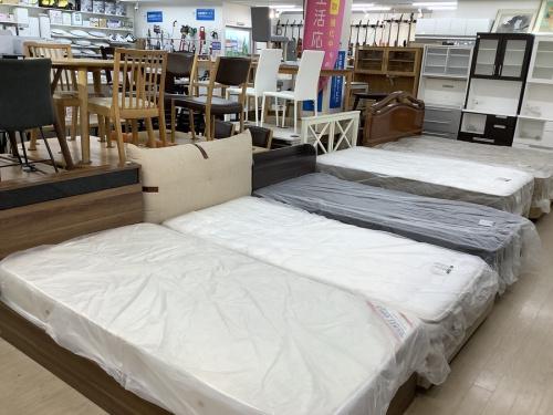 シングルベッドの引出付