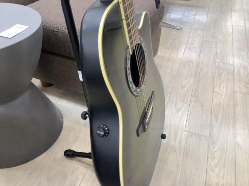 エレアコギターのMORRIS