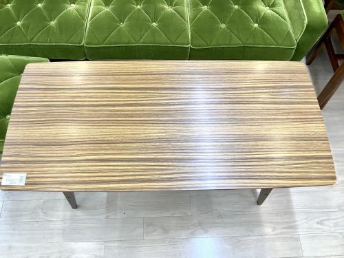 リビングテーブルのカリモク60