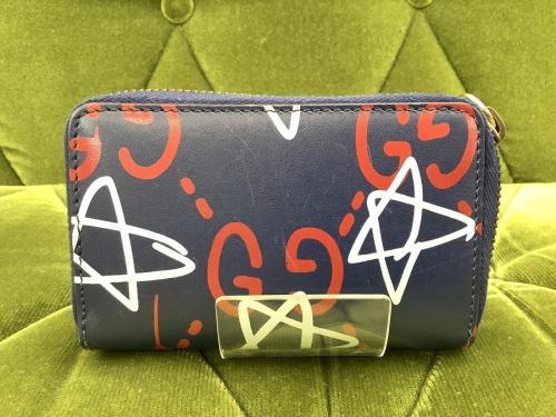 コインケースのラウンドファスナー財布