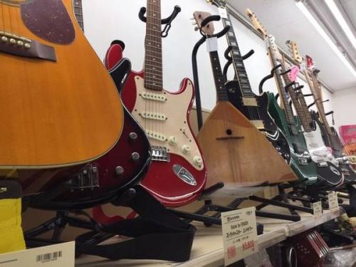 花小金井楽器のギター
