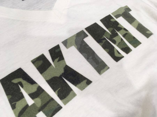 TシャツのAKM