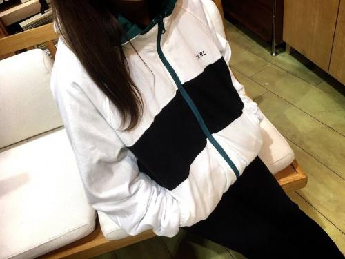 ジャケットのX-GIRL