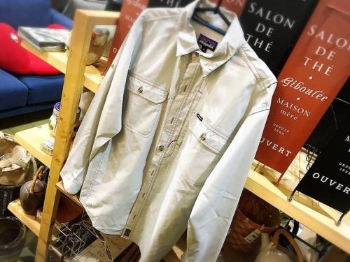 シャツのジャケット