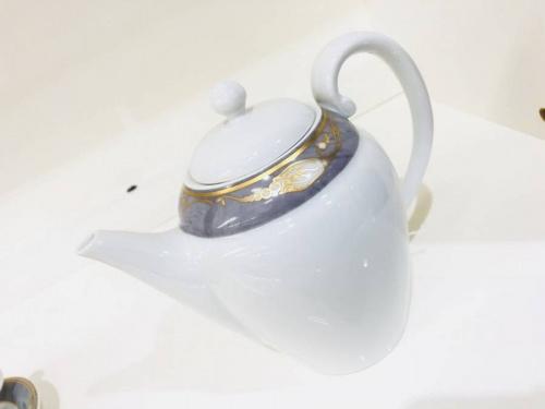 カップ&ソーサーの花小金井洋食器