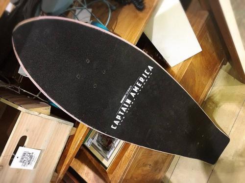 スケートボードのキャプテンアメリカ