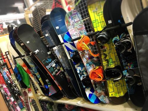 スノーボードの武蔵野市 小金井市 国分寺市 杉並区 中古 スキー スノボー スノーボード 買取 販売