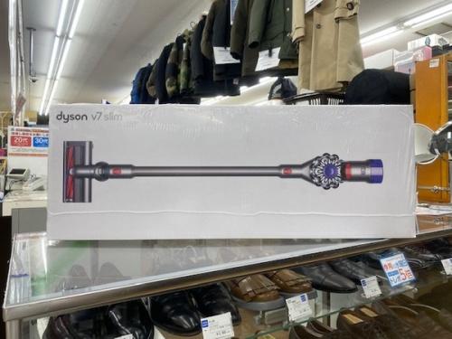 生活家電の掃除機 dyson ダイソン ステッククリーナー 高性能 高年式 未使用 V7 Slim