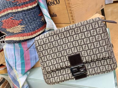 バッグ・財布のハンドバッグ