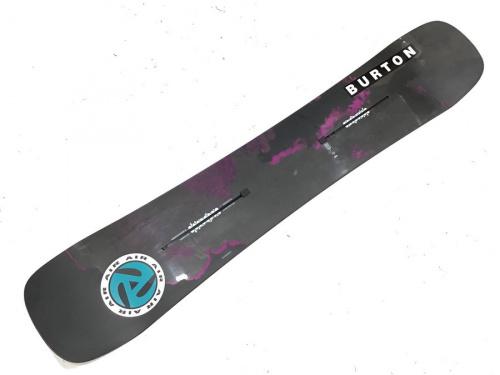 スノーボードのバートン