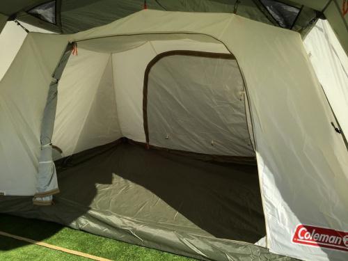 キャンプ用品のコールマン