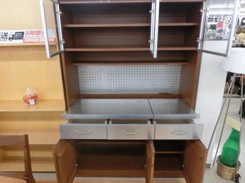 ウニコ(UNICO)の食器棚