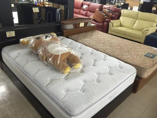 ベッドの脚付きマットレス