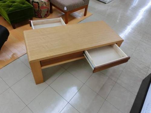 シギヤマ家具のセンターテーブル