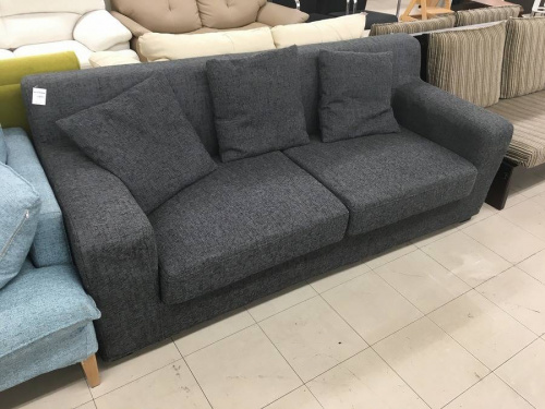 新生活のソファ