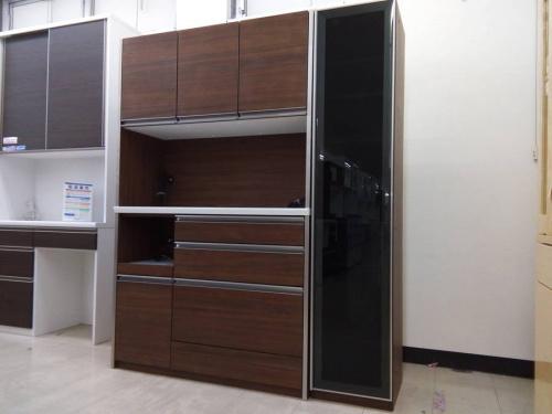 特選家具のカップボード・食器棚