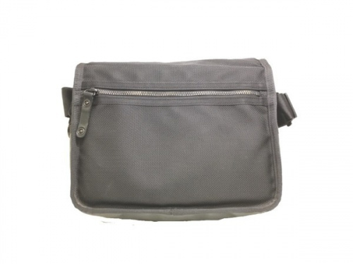 バッグのショルダーバッグ
