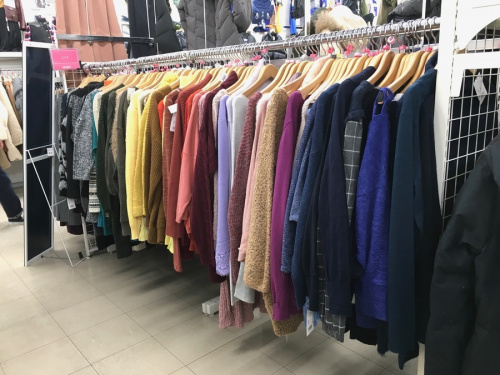 冬物セールの衣類