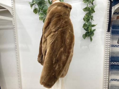 コートのフェイクファーコート