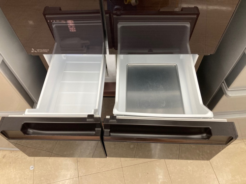 6ドア冷蔵庫のMITSUBISHI