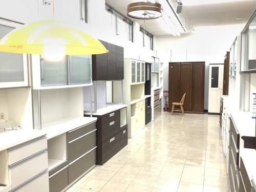 キッチンボードの食器棚
