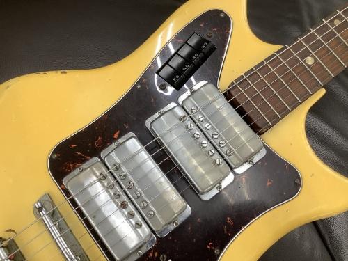 中古ギターのビザールギター