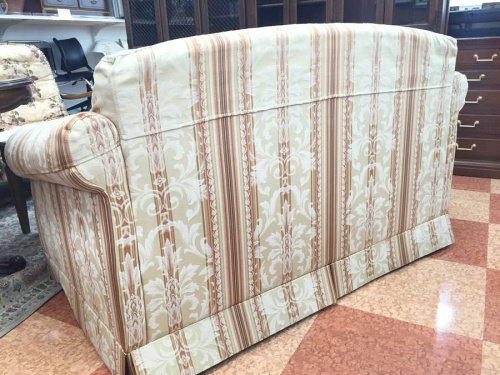 ソファーの所沢家具