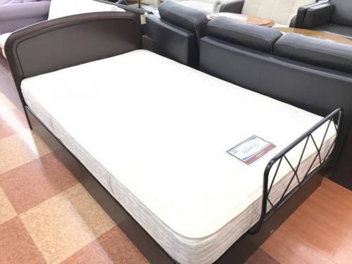 ベッドのSimmons