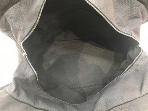 トートバッグのグレー