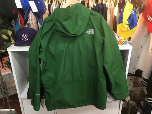 パーカーのジャケット