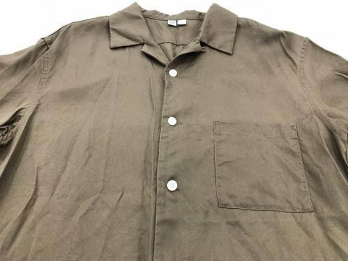 オープンカラーシャツのラインパンツ