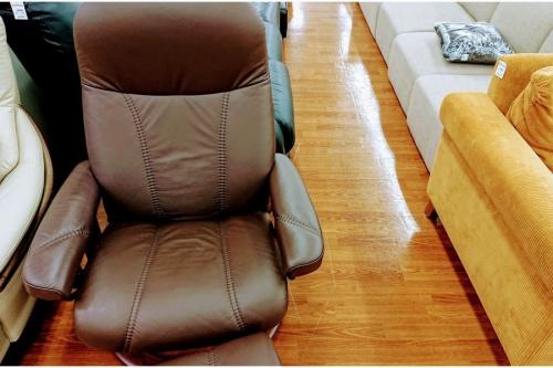 秋津 家具のストレスレスチェア