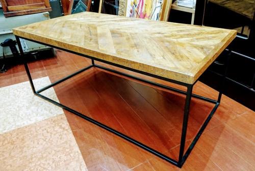 所沢 家具のテーブル