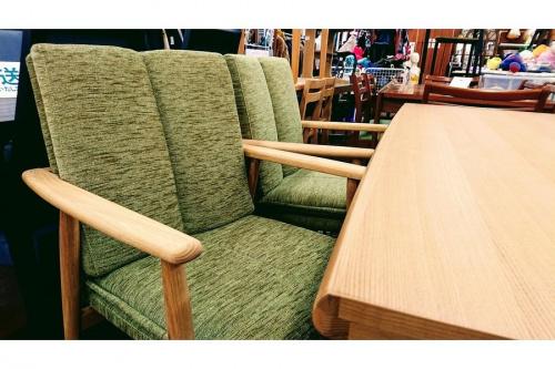 テーブルの秋津 家具
