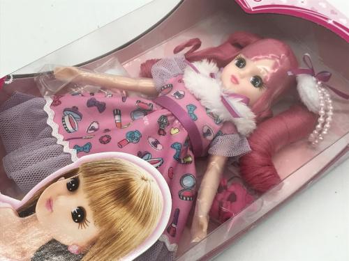 おもちゃのリカちゃん人形