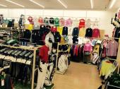 スポーツ用品のゴルフウェア