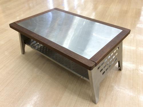 バーベキュー用品のアウトドアテーブル