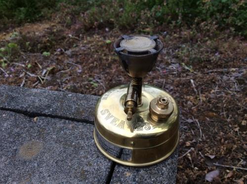キャンプ用品のランタン クッカー