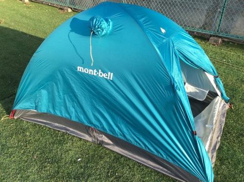 キャンプ用品の山岳テント
