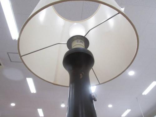 照明のフロアスタンド