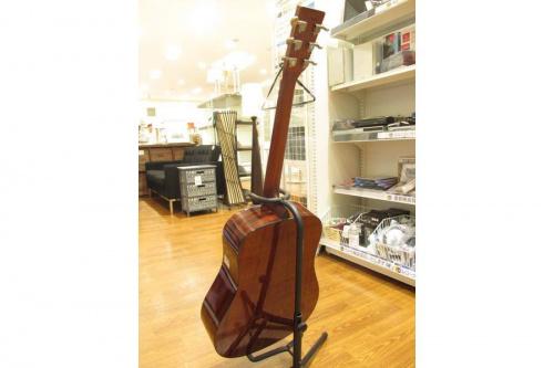 アコースティックギターのAria Dreadnought