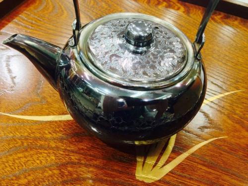 銀川堂 いぶし銀の茶壷
