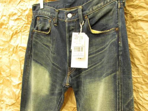 メンズファッションのLevi's デニムパンツ