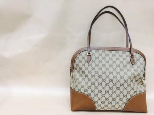 プラダ(PRADA)のバッグ