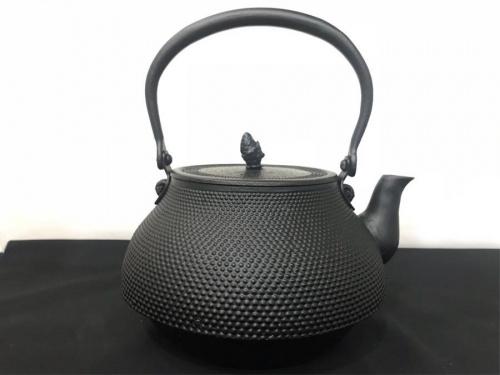 鉄瓶の和食器