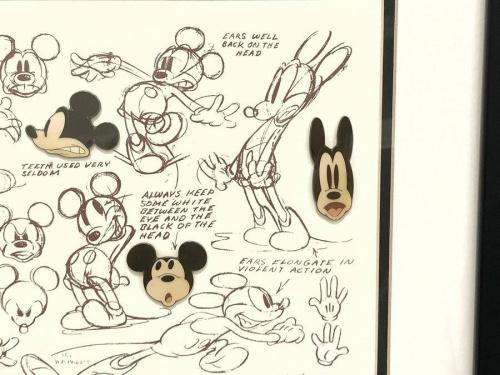 ピンバッジのミッキーマウス