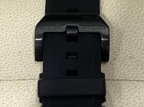 イタリア製の腕時計